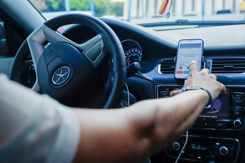 0783b684c7 VITÓRIA DA MOBILIDADE: STF veta proibição de apps de transporte como Uber e  Move SJ